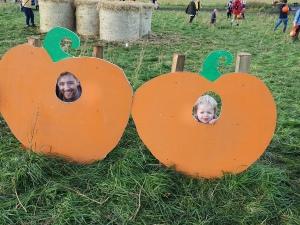 Arnprior-pumpkins-selfies