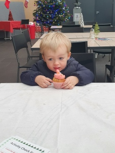 Travis-cupcake-decorating-falkirk-wheel
